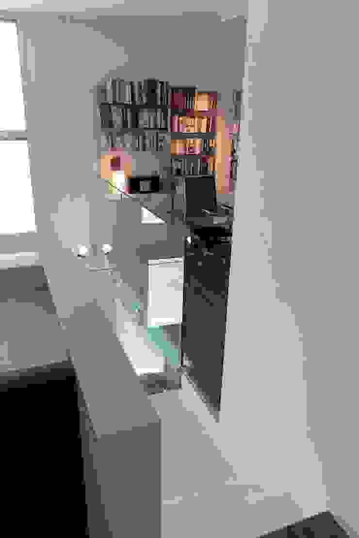 Francesca Bonorandi Phòng học/văn phòng phong cách tối giản
