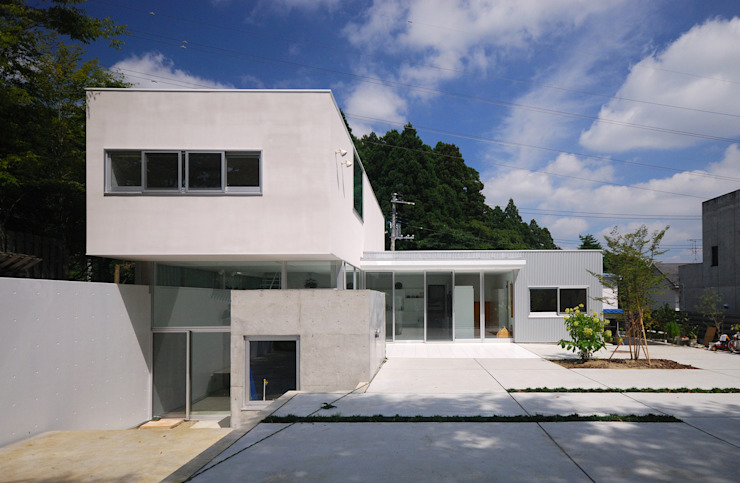 Modern Houses by 株式会社ブレッツァ・アーキテクツ Modern