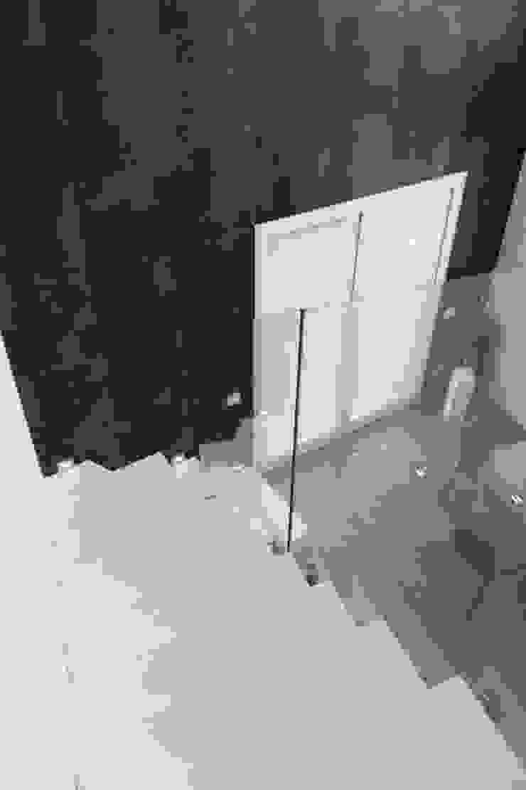 Francesca Bonorandi Hành lang, sảnh & cầu thang phong cách tối giản