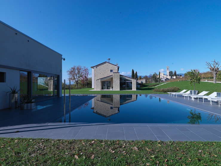 Modern pool by Vegni Design Modern