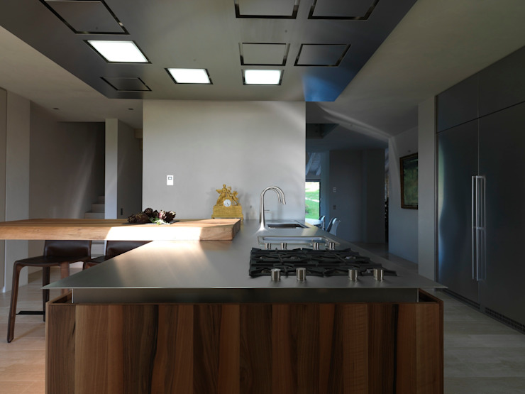Modern kitchen by Vegni Design Modern