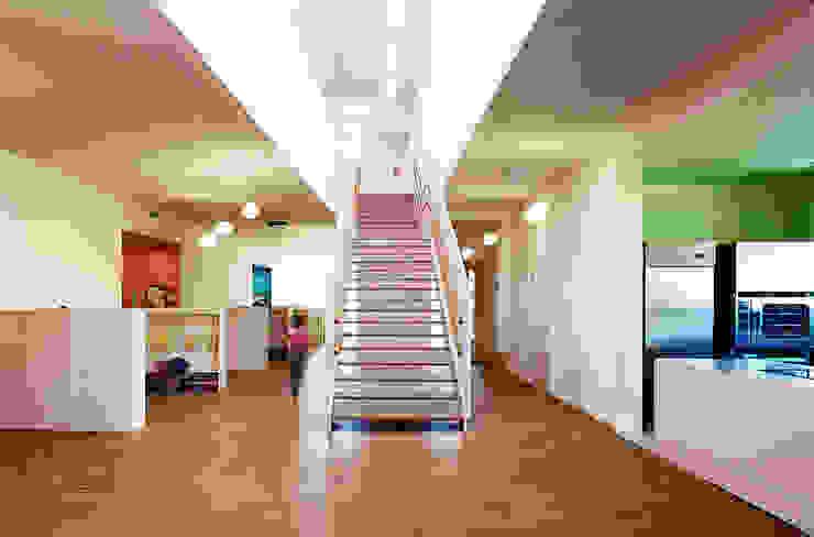 Kindergarten Drasenhofen / NÖ Moderne Schulen von Abendroth Architekten Modern