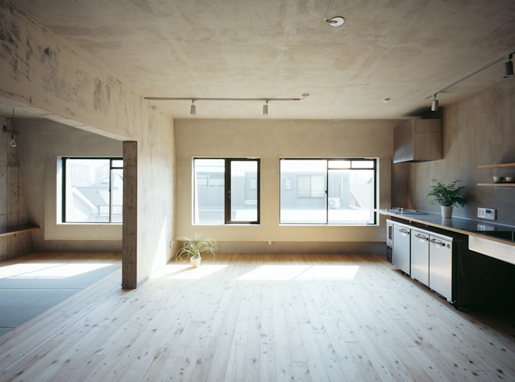 SUGAWAHOUSE: 苅部 寛子建築設計事務所 /OFFICE OF KARIBE HIROKOが手掛けたキッチンです。,ラスティック