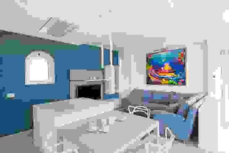 Villa Andora Soggiorno moderno di Architetto ANTONIO ZARDONI Moderno
