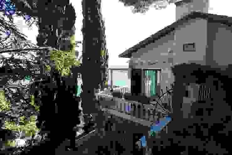 Villa Andora Giardino in stile mediterraneo di Architetto ANTONIO ZARDONI Mediterraneo