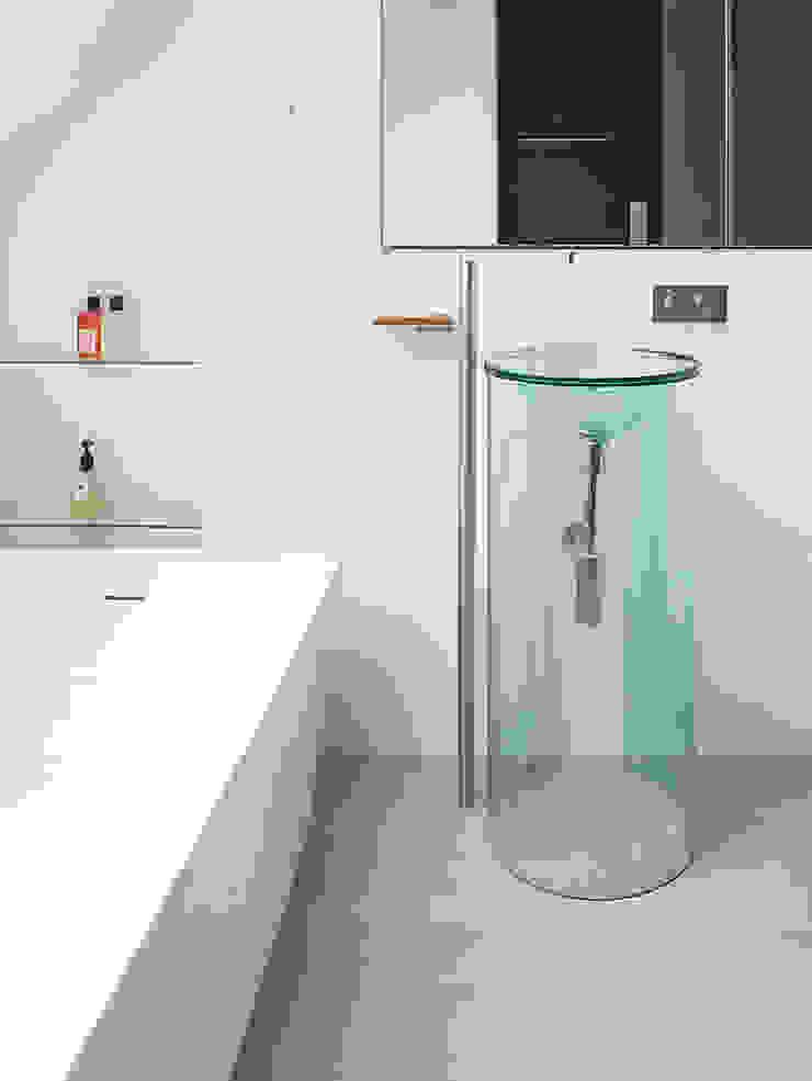 Sheen Lane, Bathroom Modern bathroom by BLA Architects Modern