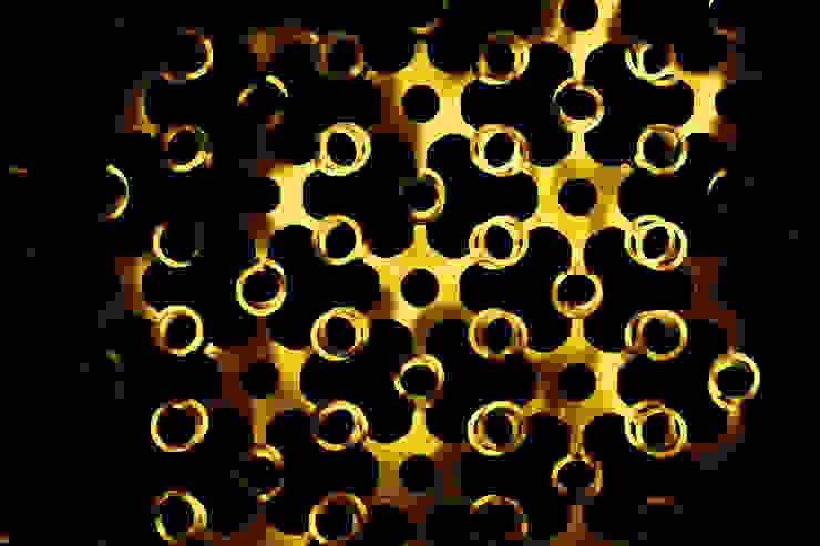 JOYN Gold and Silver de DesignCode Ecléctico Plástico