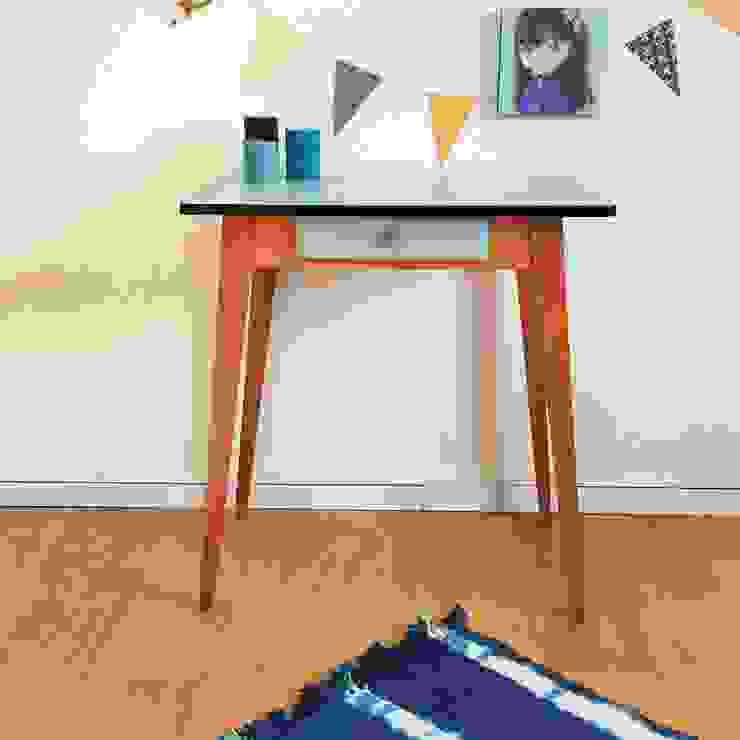 Paulette, la table bureau des années 50 par Chouette Fabrique Scandinave