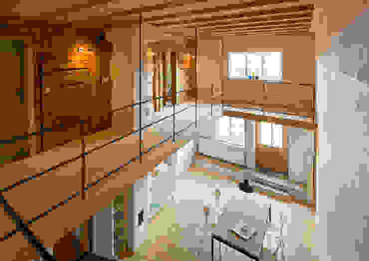 Flurküche Galerie Moderner Flur, Diele & Treppenhaus von Prof. Peter Tausch Modern