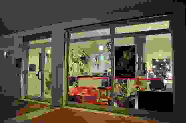 Michela Galletti Architetto e Home Stager Locaux commerciaux & Magasin modernes
