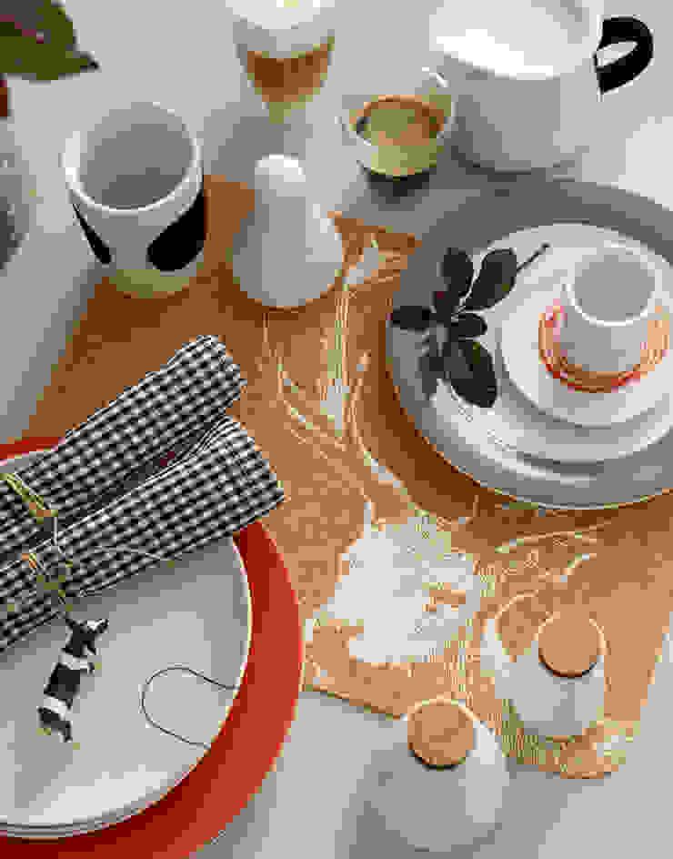 Cocinas de estilo moderno de diewohnblogger Moderno