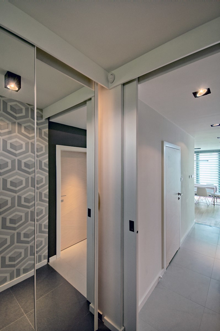 Bliźniak w Pychowicach Minimalistyczny korytarz, przedpokój i schody od SHOQ STUDIO Architektura i wnętrza Minimalistyczny