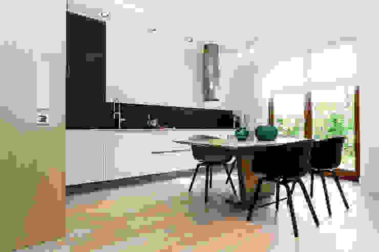 ミニマルデザインの キッチン の Anna Maria Sokołowska Architektura Wnętrz ミニマル