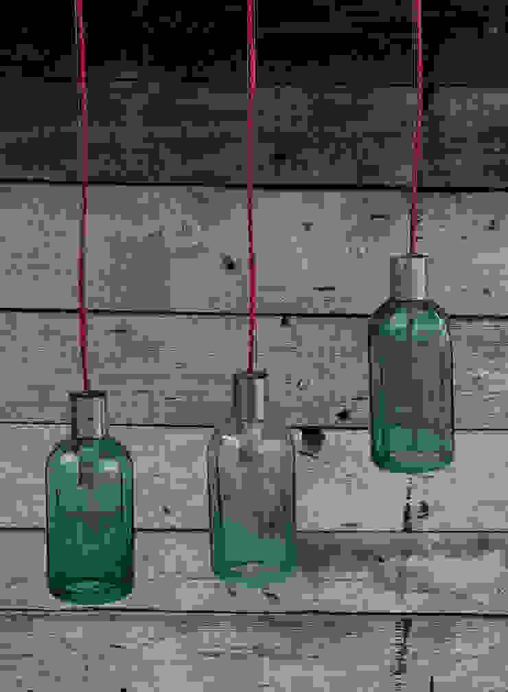 Lampion ryflowany z syfonu szklanego od NaNowo Industrial Design Industrialny