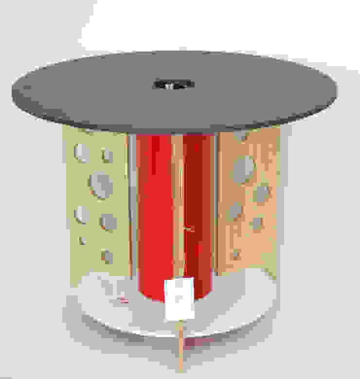 """Stolik """"dziury w serze"""" od NaNowo Industrial Design Skandynawski"""