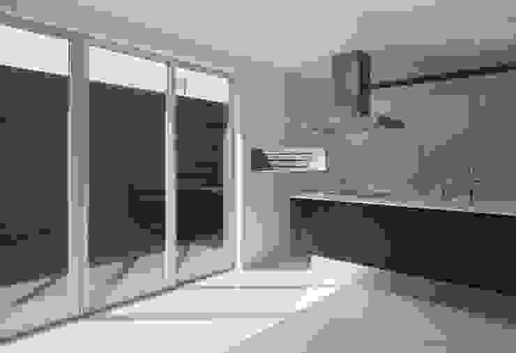 PLATE HOUSE ミニマルデザインの キッチン の 松岡健治一級建築士事務所 ミニマル