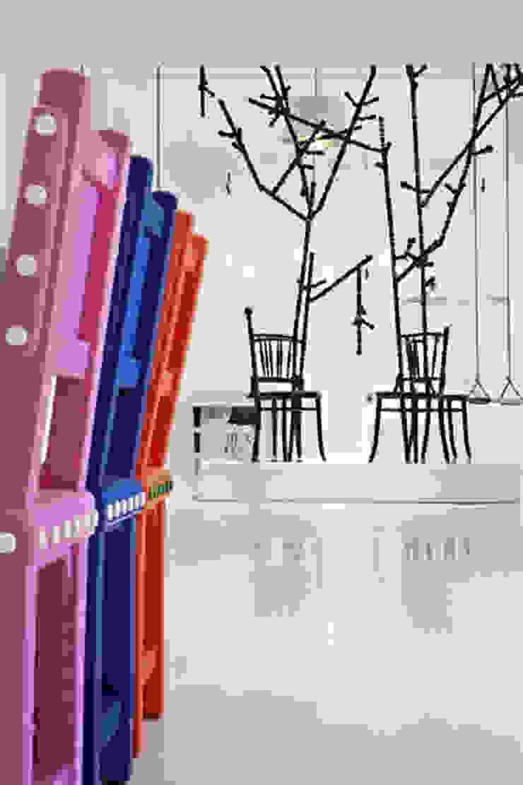 EXTENSION CHAIR Moderne exhibitieruimten van Vroonland Modern