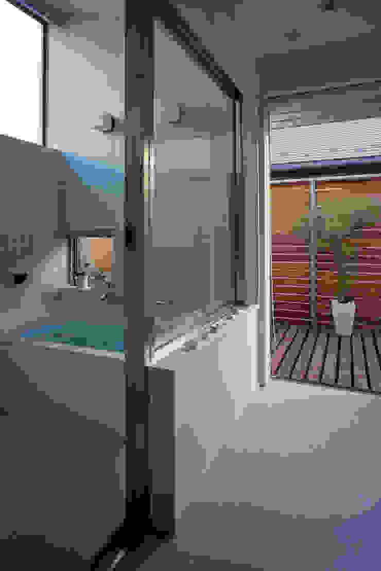 市川の家 モダンスタイルの お風呂 の 長浜信幸建築設計事務所 モダン