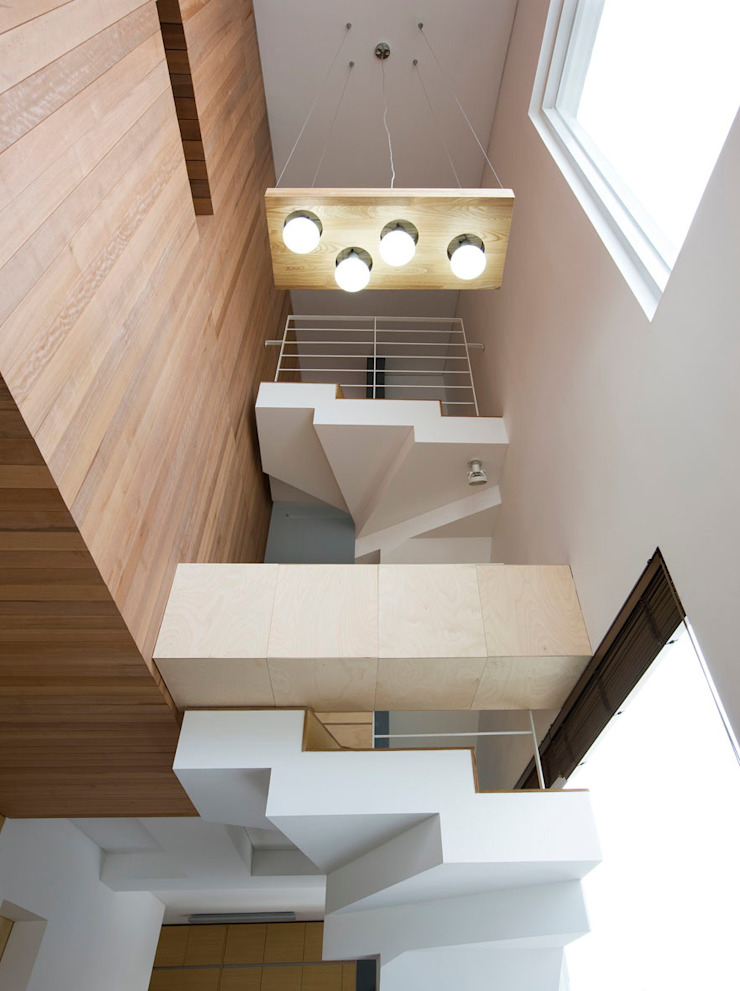 Modern Corridor, Hallway and Staircase by CHORA Modern
