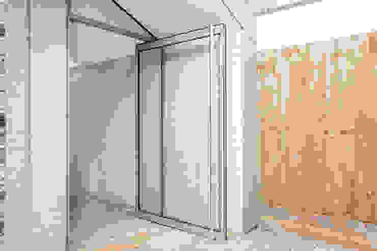 Garden Door Modern houses by homify Modern