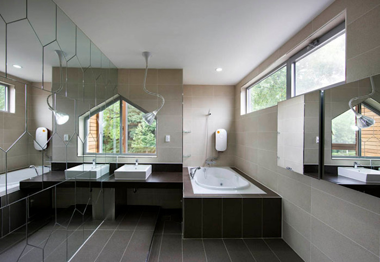 Bathroom by CHORA, Modern