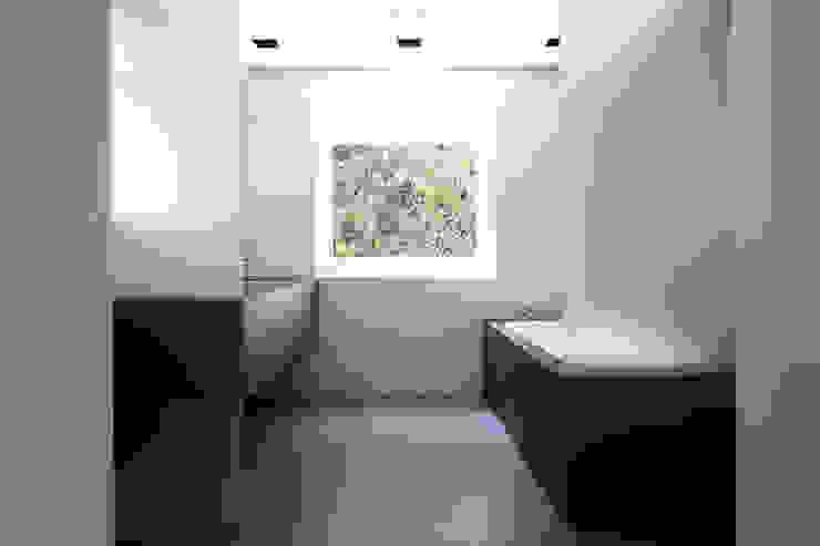 MM_07 Minimalistische Badezimmer von LINIE ZWEII - innenarchitektur und grafikdesign Minimalistisch