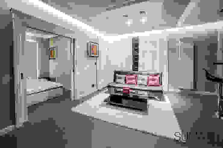 CLASSIC ONE Klasyczny salon od SUMA Architektów Klasyczny