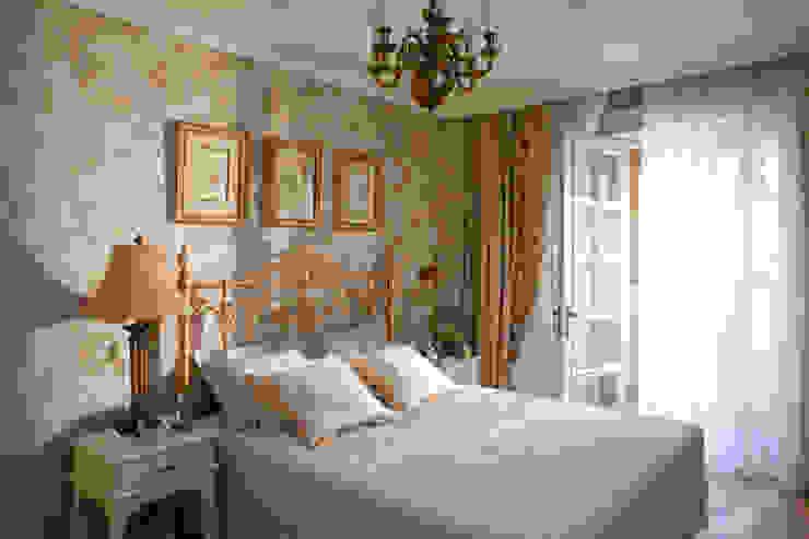 Жилая классика Спальня в классическом стиле от VVDesign Классический