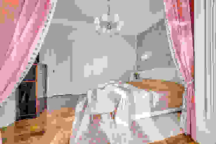 Квартира в жилом комплексе <q>Парадный квартал</q> Спальня в классическом стиле от Be In Art Классический