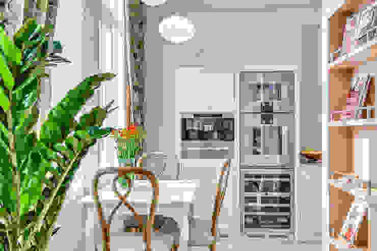 Квартира в жилом комплексе <q>Парадный квартал</q> Кухня в классическом стиле от Be In Art Классический