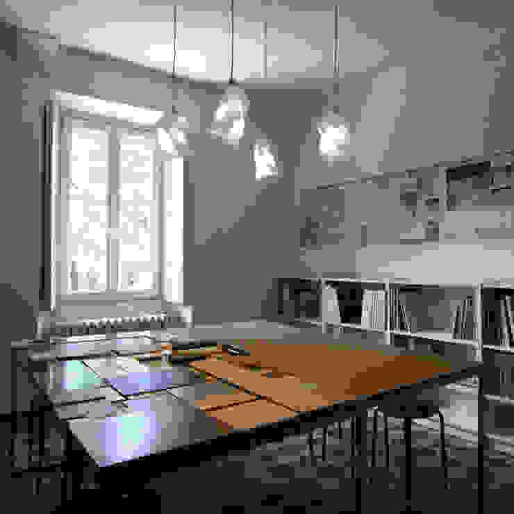by a2 studio di architettura Minimalist