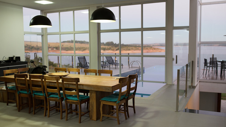 CASA CANYONS DO LAGO Salas de jantar modernas por Mutabile Arquitetura Moderno