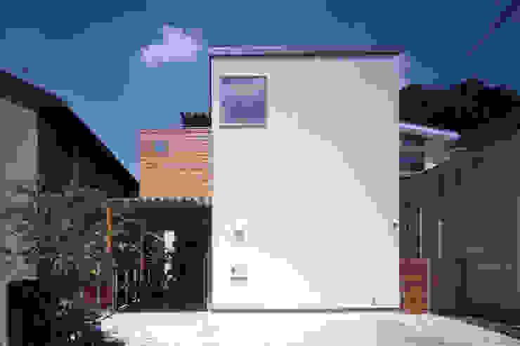 Moderne Häuser von 長浜信幸建築設計事務所 Modern