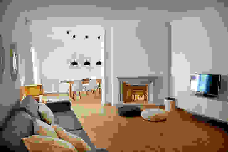 Staging Factory Modern living room