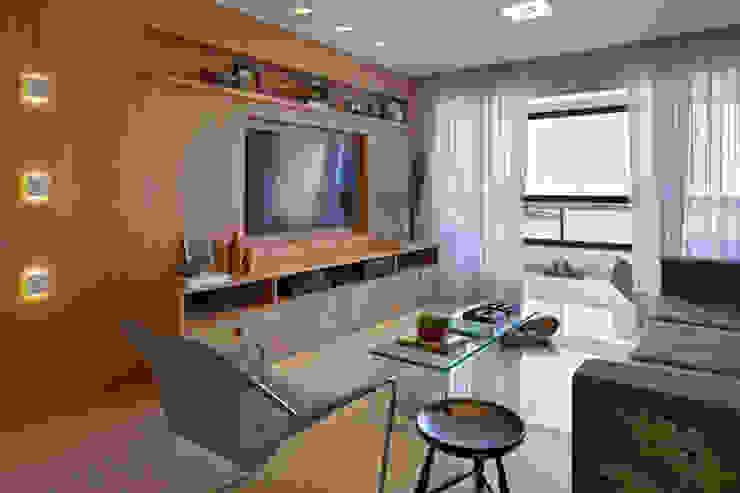 Apartamento Prainha: Salas de estar  por Coutinho+Vilela,Moderno