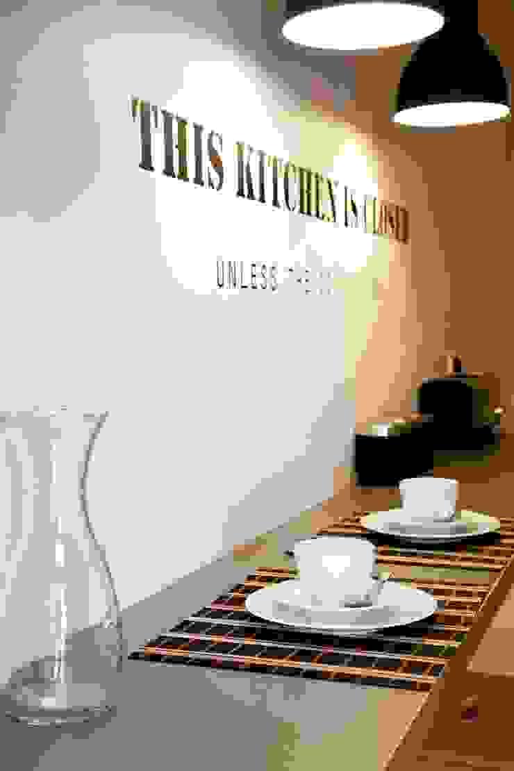 kitchen Cozinhas ecléticas por Staging Factory Eclético