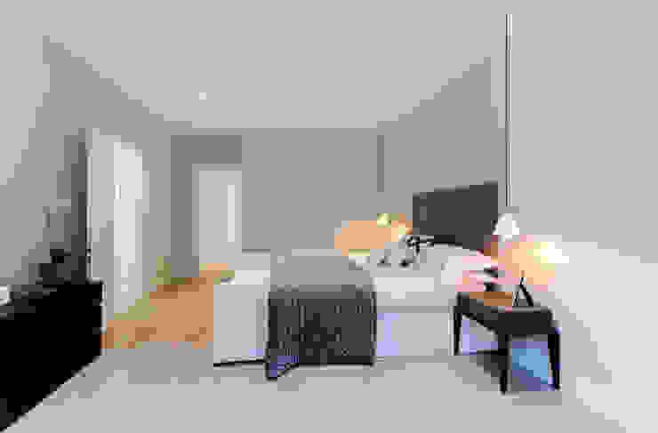 Roland Gardens BTL Property LTD Minimalist bedroom
