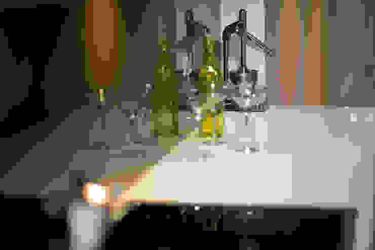 Roland Gardens BTL Property LTD Modern kitchen