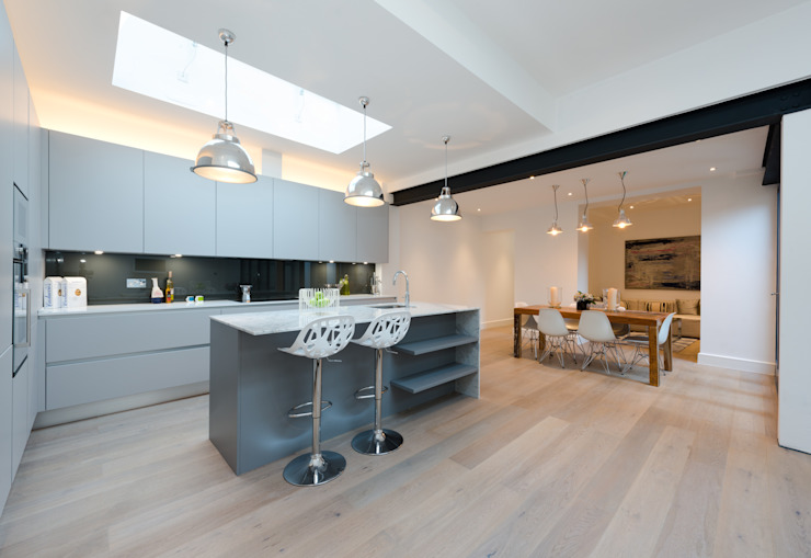 Roland Gardens Minimalist kitchen by BTL Property LTD Minimalist