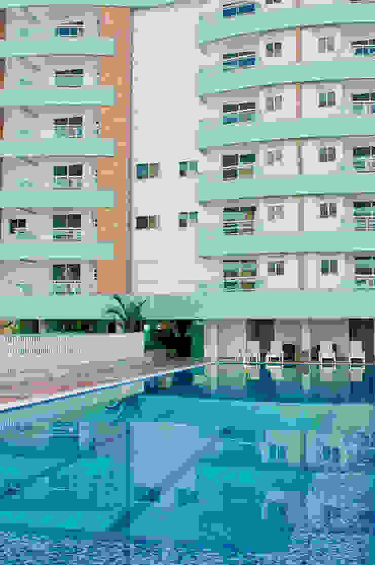Casas modernas de Mantovani e Rita Arquitetura Moderno