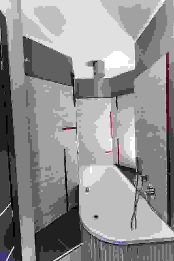 Il bagno al piano primo UAU un'architettura unica Bagno moderno
