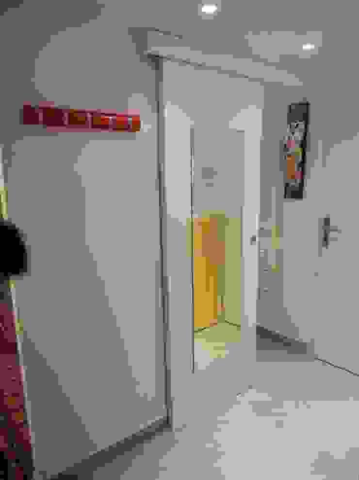 UAU un'architettura unica Moderner Flur, Diele & Treppenhaus