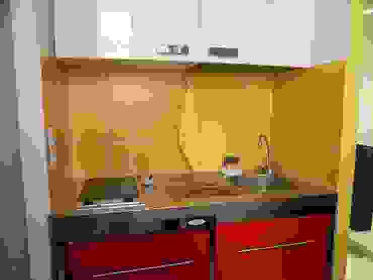 La cucina Cucina moderna di UAU un'architettura unica Moderno