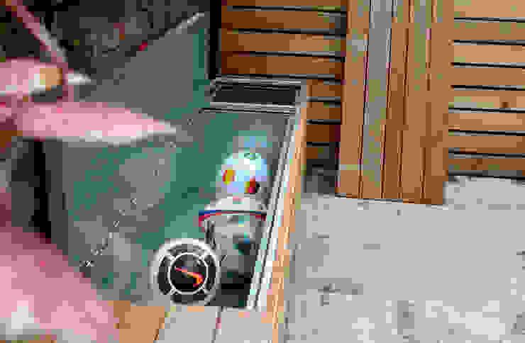 Garden storage Taman Modern Oleh wayne maxwell Modern