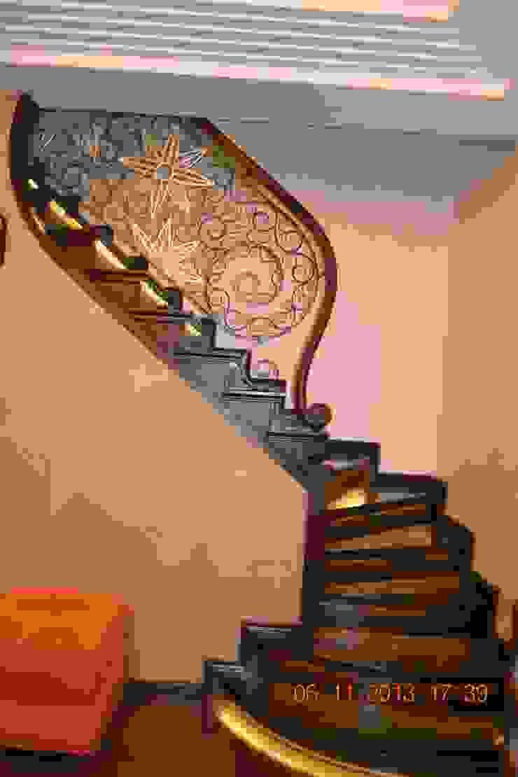 Лестница:  в современный. Автор – Студия дизайна Натали Хованской, Модерн