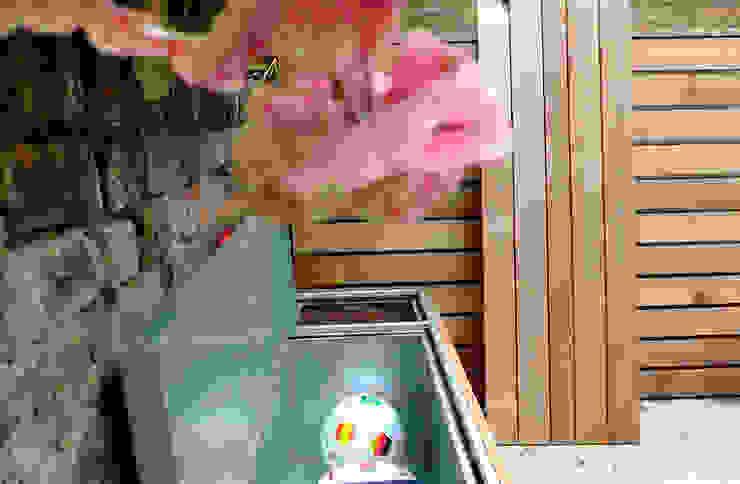 Garden storage wayne maxwell Modern Garden