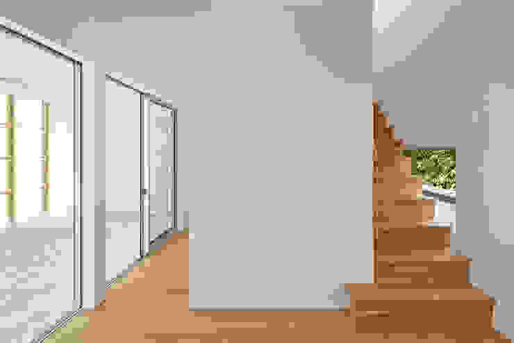 Koridor & Tangga Modern Oleh MASAAKI TAKAHASHI architects Modern