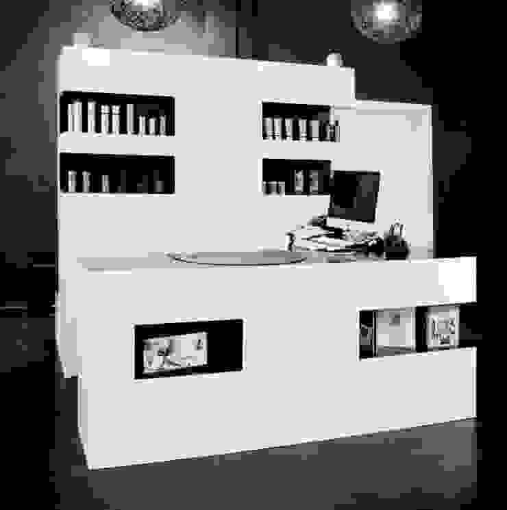 Ulises Peluqueros Espacios comerciales de estilo moderno de Alicia Toledo Moderno
