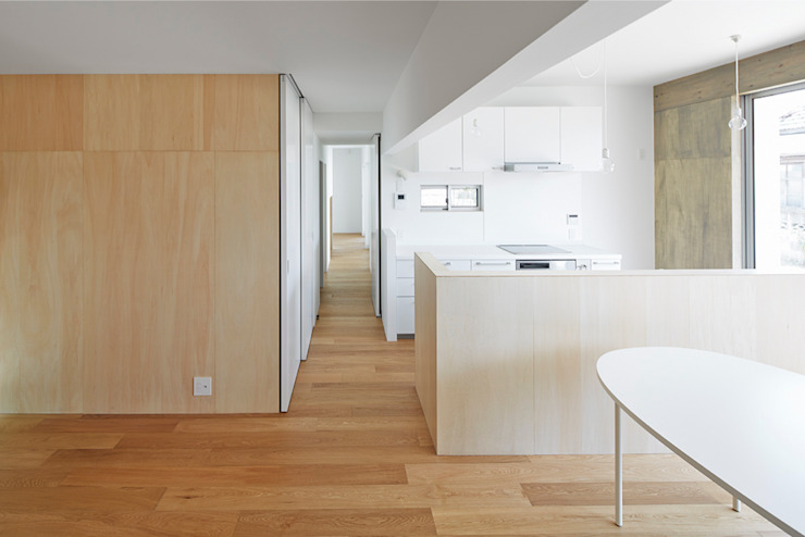 桂川の住宅 モダンデザインの リビング の MASAAKI TAKAHASHI architects モダン