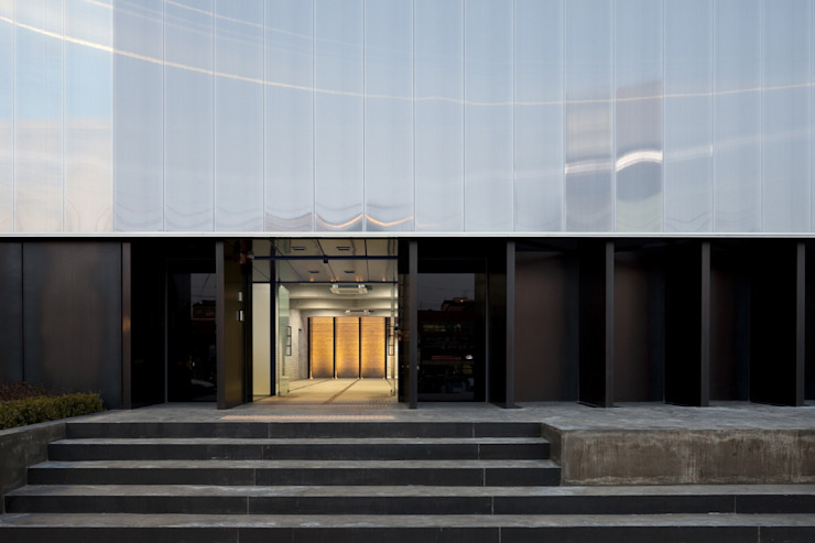 Stardom Entertainment Office : D·LIM architects의  회사,모던